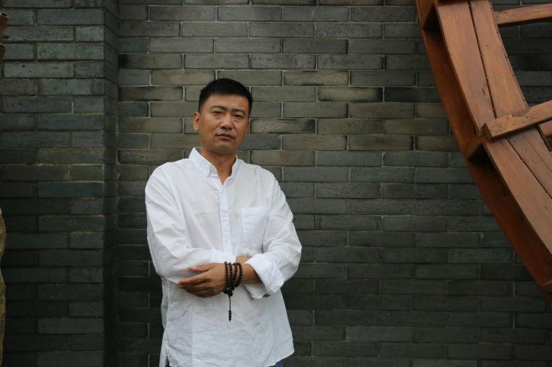画家黄海华