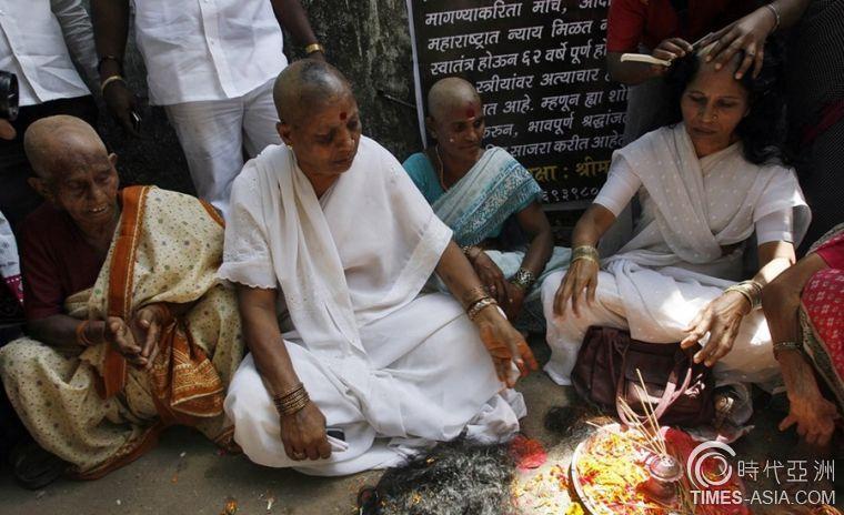 """披着""""光鲜""""外衣的印度圣女 其真实名字是:庙妓"""