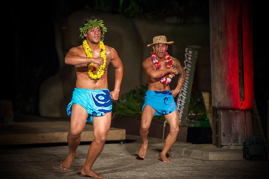 关岛有一场劲爆十足的热带风情秀