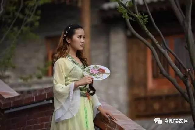 洛邑古城拍摄古装美女,文后有花絮