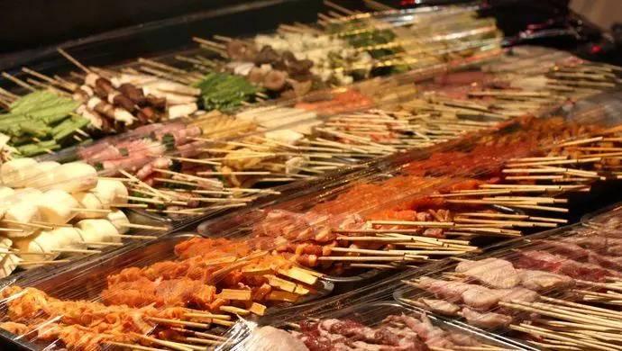 """生煎、锅贴、浇头面…跟随吃遍上海的美食博主,寻找魔都""""深夜食堂"""""""