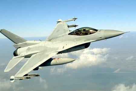 又一架美国F 16战机坠毁,为什么美军事故比较多
