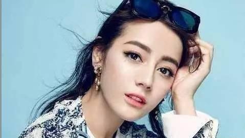 18岁少女为出名花100万整成迪丽热巴,网友:比热巴漂亮太多