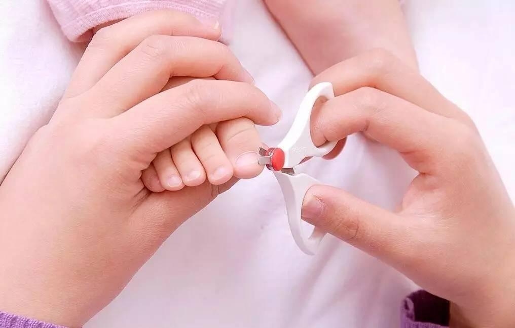 宝宝剪指甲的最佳时机