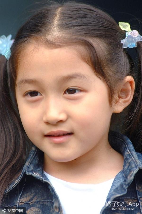 【娱乐快讯】|关晓彤童年照片合集,每一张都超可爱哦!