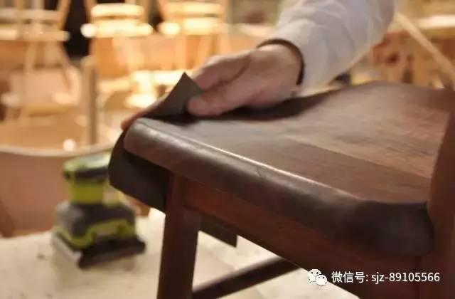 """其创立的""""秋山木工""""的定制家具常见于日本宫内厅、迎宾馆、国会议"""