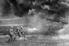 二战时美国人用这种武器把日本人打的落花流水,日本人哭爹喊娘!