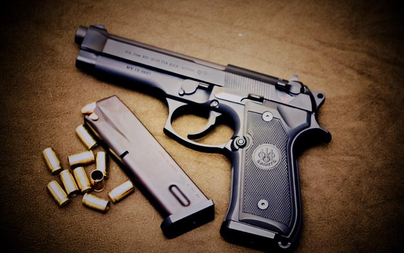 2011nm9�-�8^XjΊ8^i ޘX�_伯莱塔m9手枪,一把具有艺术之美的武器!