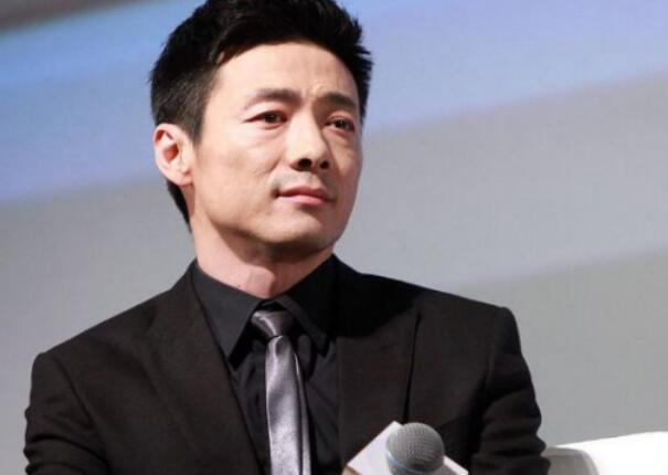 而祖峰也是个非常敬业的演员,不仅对自身好剧本都有很高的要求,因此他的作品也不会很多,但部部都能看到惊喜.