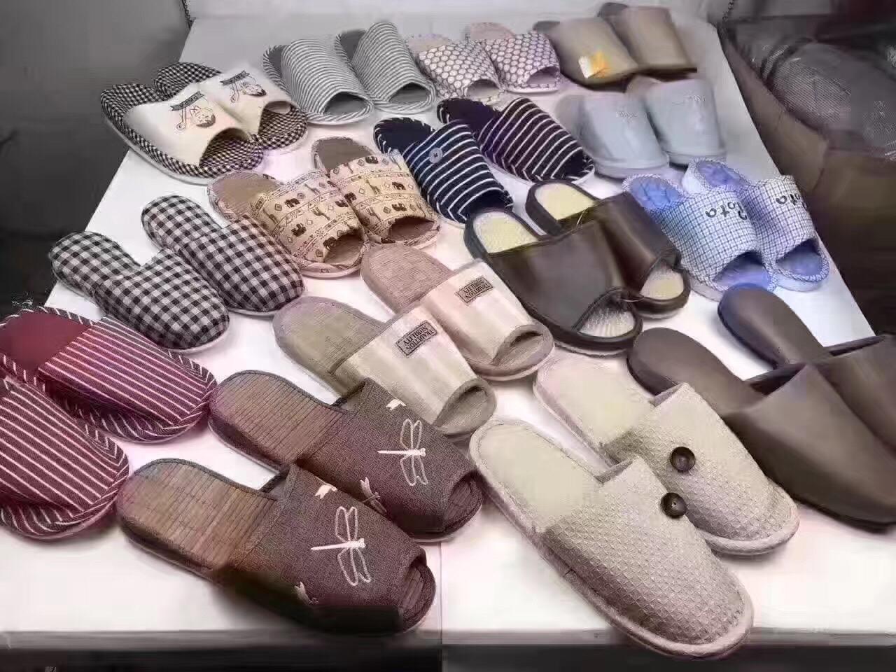 2017地摊热卖5元模式拖鞋,家居鞋,居家鞋