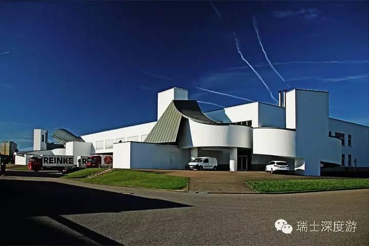 由美国现代解构主义建筑大师弗兰克·盖里设计的维特拉设计博物馆,是图片