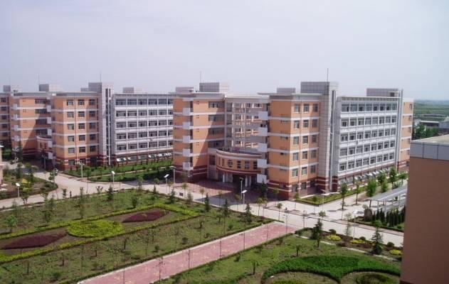 2017高考状元新鲜出炉 河南省这些全国顶尖的高级中学,有你母校吗