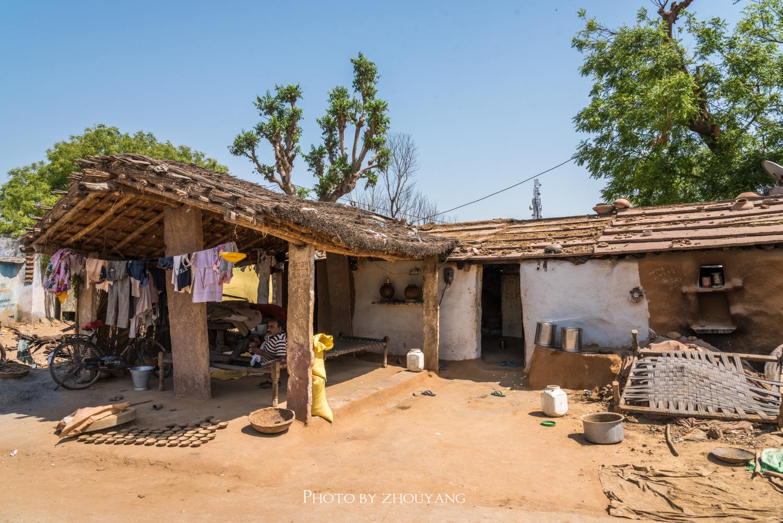 印度农村的贫穷与落魄,是我们国人很难想象的