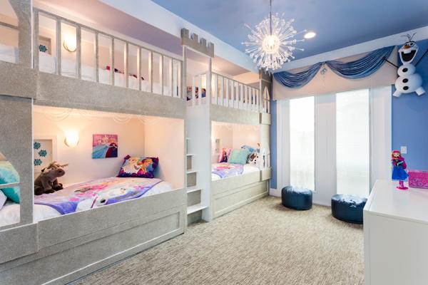 两款不同的电影的儿童《冰雪电影》定制版奇缘主题房哦青苹果蓝色百度云图片
