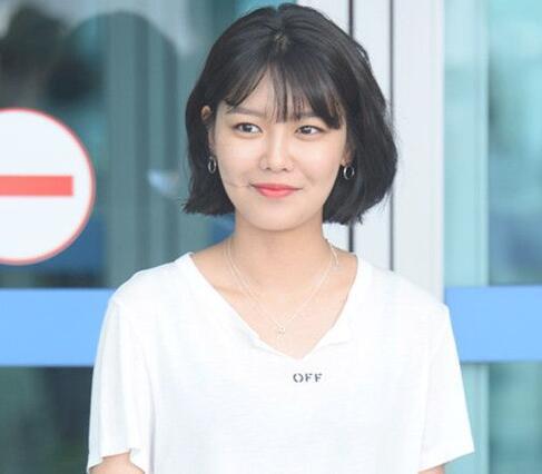 2017可爱又呆萌的圆脸女生短发发型推荐