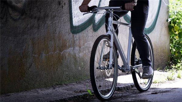 你需要一辆自行车,不用电池的自行车灯问世