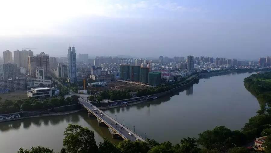 江西跟福建那个经济总量大_福建会馆瓷器那个年代