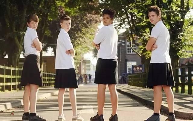 英语小练兵 | 穿裙子的腐国男孩子们