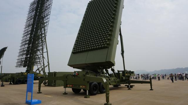 """中国首次推出成系列的反隐形雷达,美国F22和F35隐身"""""""