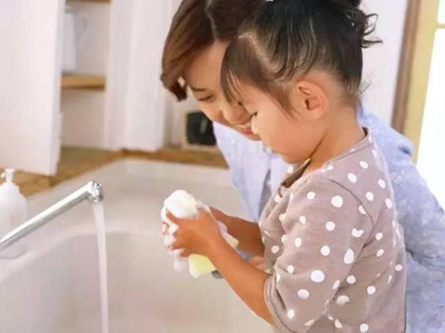 儿童做家务年龄对照表,80%的父母都后悔看晚了!图片