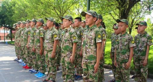 少儿军事夏令营+跆拳道给钱库孩子不一样的体验!
