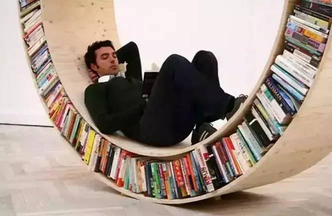 架可以打破沉闷,如果看书累了还可以躺在书架里休息~-别激动 看完