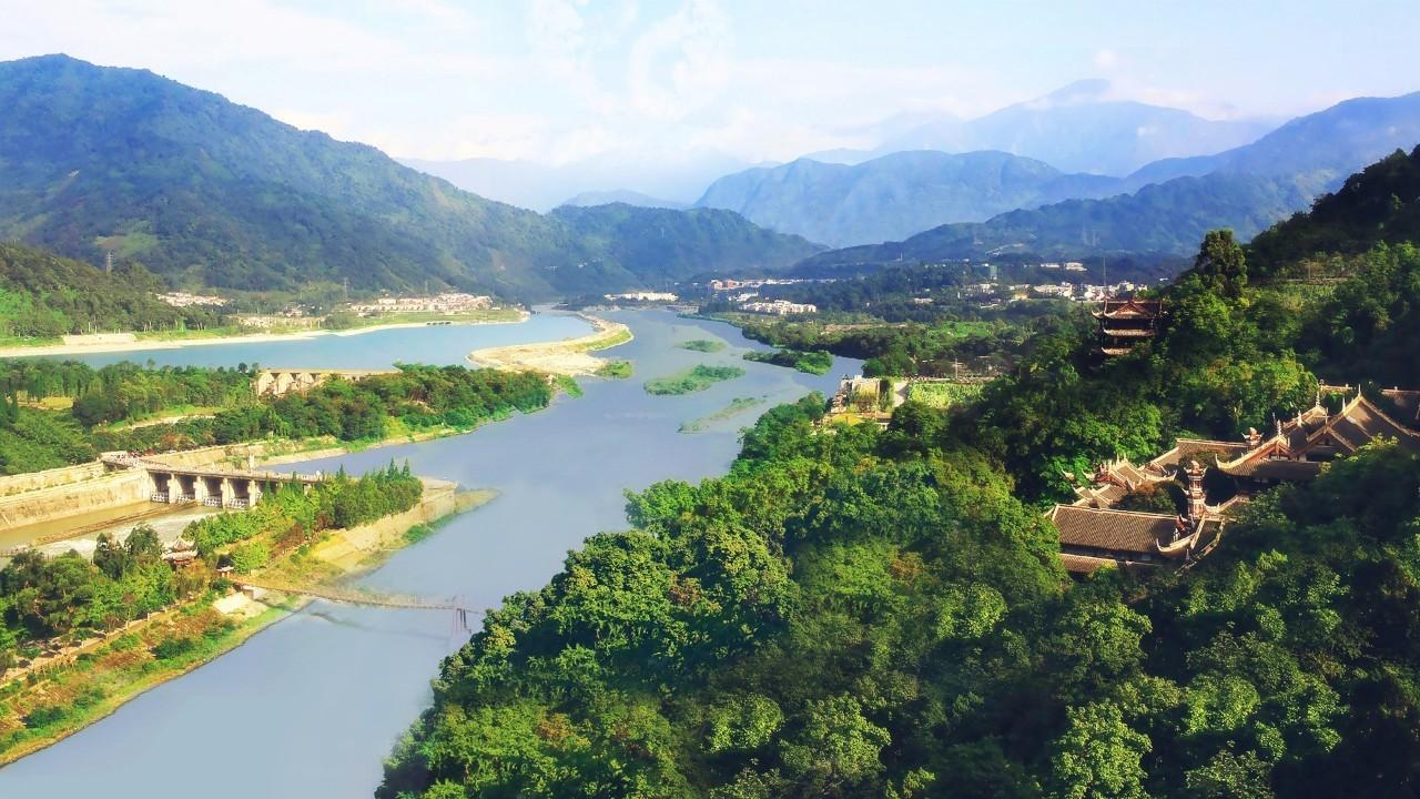 成都 都江堰 青城山 熊猫乐园 自由活动双飞4日半自助游