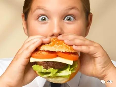 """奇效""""手掌法则""""补充营养,4种肉常吃能防三高!"""
