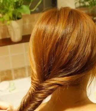 1分钟教你编头发 男人眼中最美发型,回头率增加100