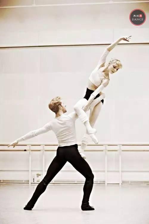 50个好看适用的双人舞造型,舞蹈编导爱好者必备!