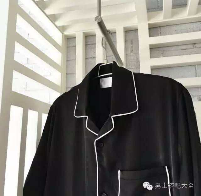 """打造慵懒风格的好搭配,睡衣领衬衫最近正被明星们追"""""""