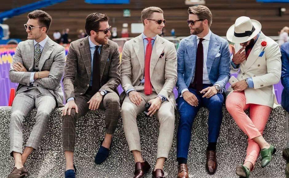 洛阳服装厂_怎样选择物美价廉的西服:比一切都重要的认知自我!-行业资讯-洛阳雅雯服装