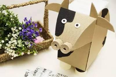 瓦楞纸手工制作非常漂亮的奶牛纸巾盒完成.图片