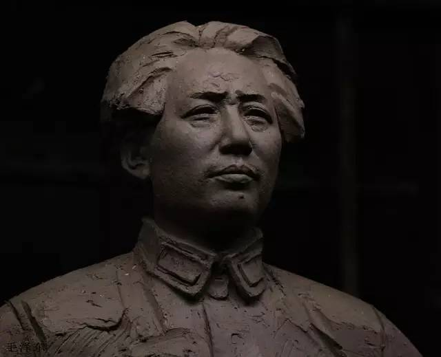 毛泽东像泥塑