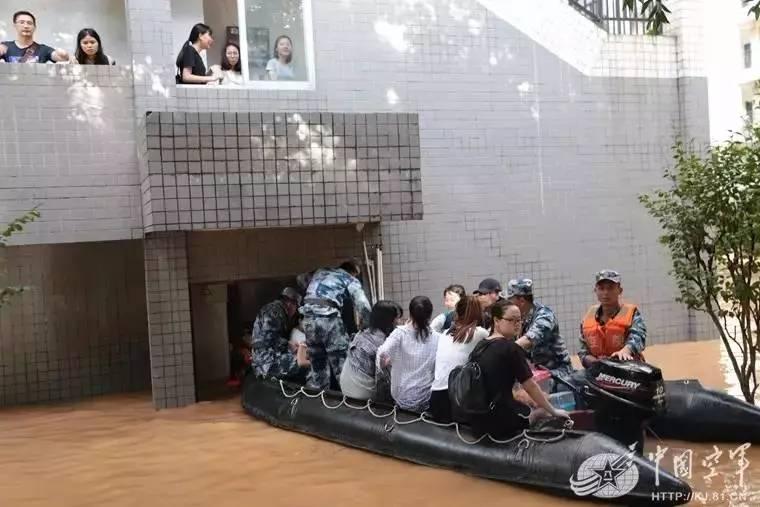 空军空降兵学院连续驰援桂林雁山大学城图片