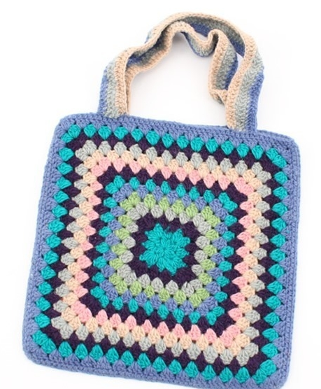 知道怎样手工编织包包?教几款手工编织的方法吗?