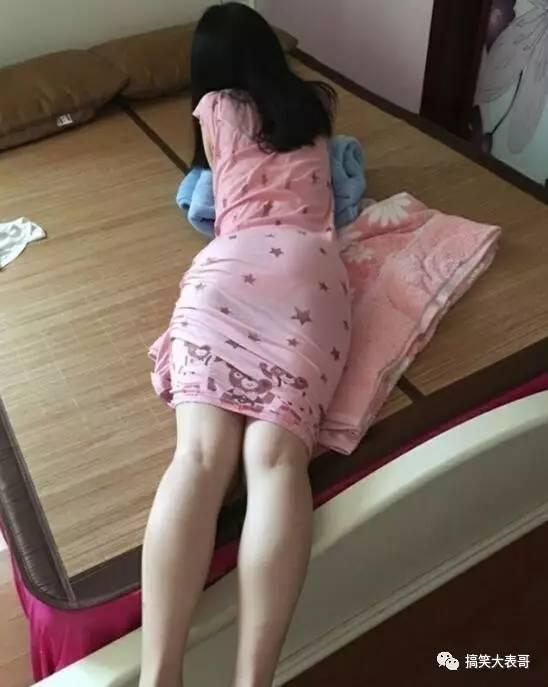 表哥天天贱:表妹放暑假整天就知道在床上玩王者荣耀