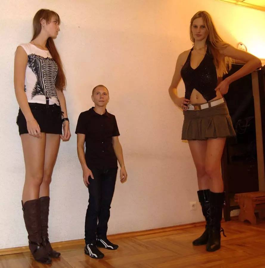 两米美女巨人_大长腿——巨人美女