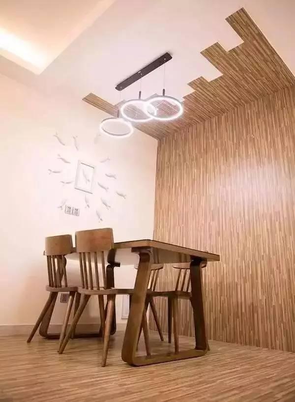 """用木地板做墙裙,来个""""半墙主义"""",适合美式田园风的小家."""