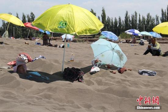 新疆吐鲁番高温达48.7℃(图)