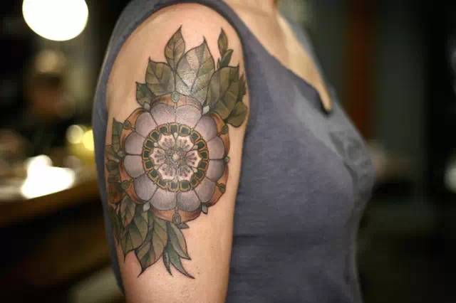√√精美的植物纹身