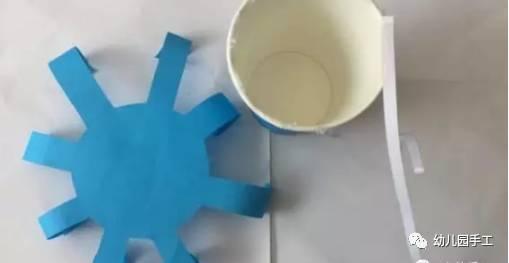 六款幼儿园创意手工制作螃蟹