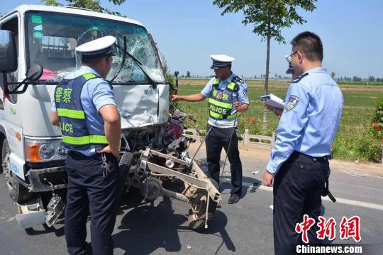 陕西大荔发生重大交通事故致6死1伤(图)