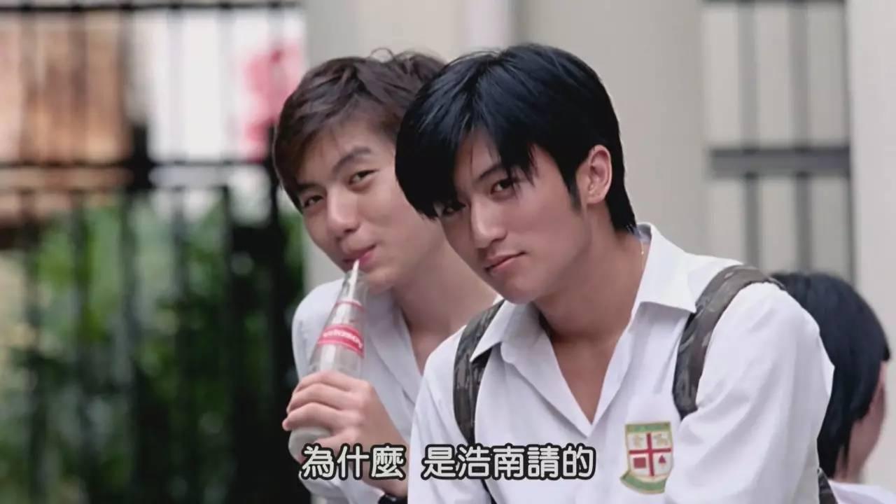 首次触电就饰演的是少年陈浩南这样的扛图片