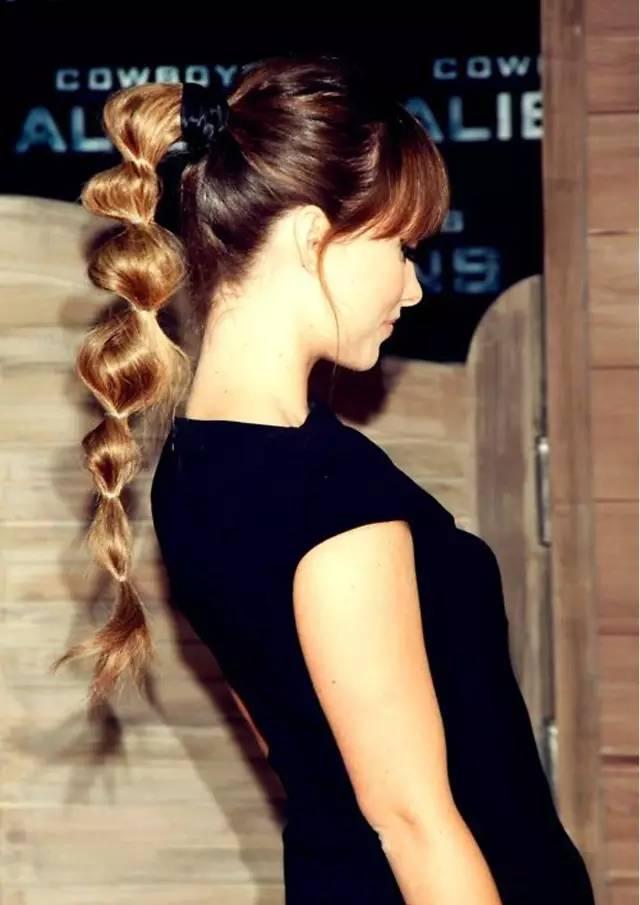 五花大绑的发型才是最适合夏天的