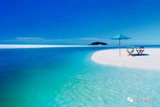 天堂岛海滩拥有世界上最清澈通透的海水,和最热情豪放的游客.
