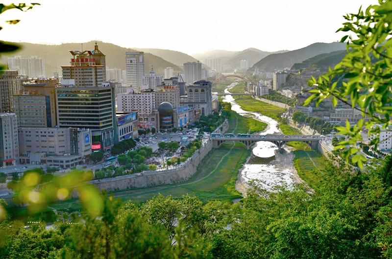 延安创建5A级景区紧张进行中 打造全国红色旅游首选地