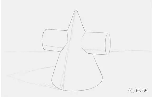 这是一个由圆柱体和圆锥体交叉而成的几何形体,绘画之前要仔细观察