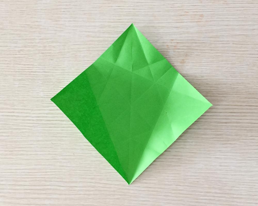 """千纸鹤""""的折法,这个折法不一样的哟,由于步骤比较多,建议还是先看视频"""