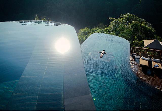 无边界泳池_所以这就是让人克服恐惧的地方 也算是最大胆的游泳池 无边界的游泳池